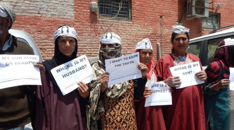 ASSOCIATION OF PARENTS OF DISAPPEARED PERSONS protest in Srinagar and demand ICJ investigation of 8000 disappeared persons by Indian forces in Jammu & Kashmir.