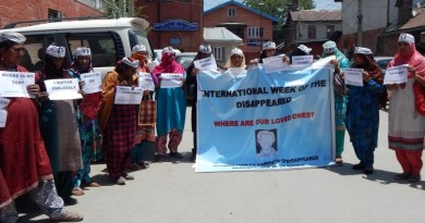 ASSOCIATION OF PARENTS  OF DISAPPEARED PERSONS  protest at protest in Srinagar and demand ICJ investigation of 8000 disappeared persons by Indian forces in Jammu & Kashmir.