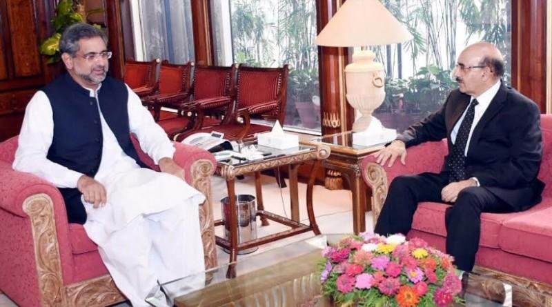 Sardar Masood Khan calls on PM Shahid Khaqan Abbasi